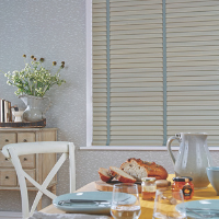 Venetian blinds in the kitchen. Cameo Blinds, Newmarket & Ely.